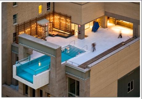 01_rooftop_pool.jpg